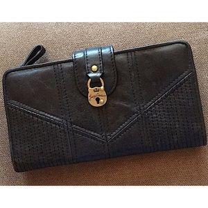 Juicy Couture Signature 🔒 Zip-Around Wallet 👑